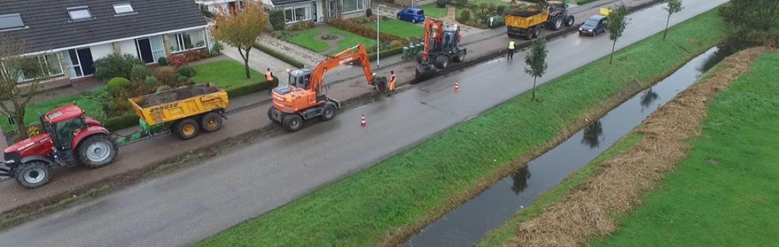 Ontgraven bermstrook Gybert Japiksweg Witmarsum
